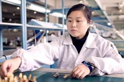 """中电科李莹:年轻一代传承""""工匠""""的力量 ——采访IPC国际手工焊接大赛亚军"""